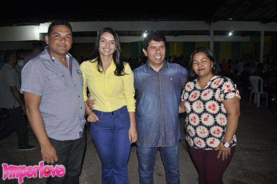 A Pré-candidata a prefeita de campestre, Rebeca Fernandes (Patriota) se reúne com pastores, obreiros e familiares