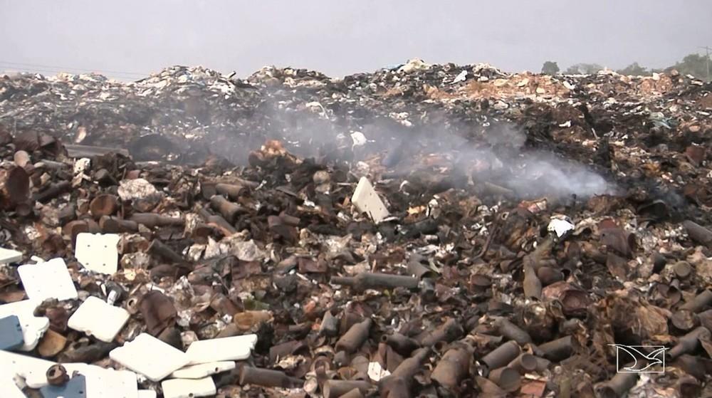 Recém-nascido é encontrado morto dentro de saco plástico em lixão no Maranhão