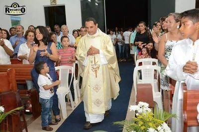 Padre Luzimar Moura anuncia transferência de paróquia
